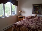 CONDO B: CHAMBRE 2 LIT DOUBLE + 1 LIT SIMPLE