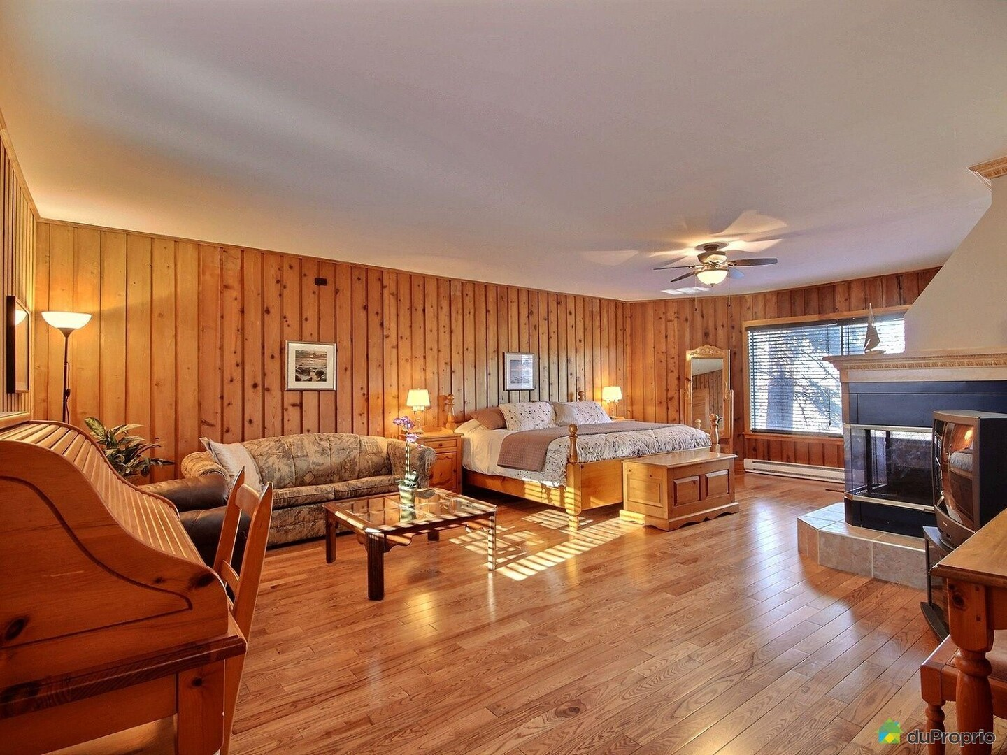 Location du chalet le chalet de la corniche piedmont for Chambre de commerce laurentides