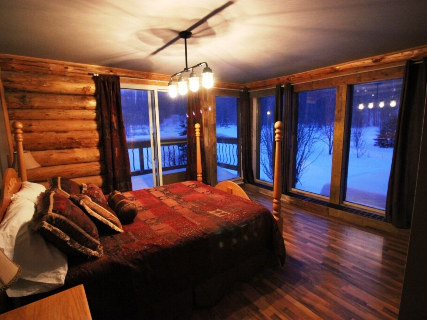 Location du chalet chalet le saint paul shawinigan for Chambre 13 bd