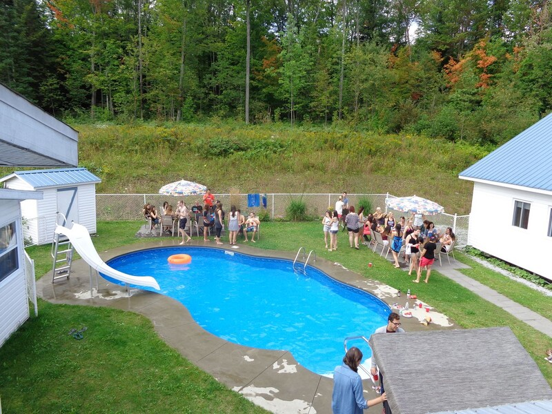 Belle piscine pour vos party
