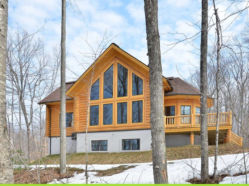 Location du chalet charmwood bord du lac mont for Chambre 426 madeleine robitaille